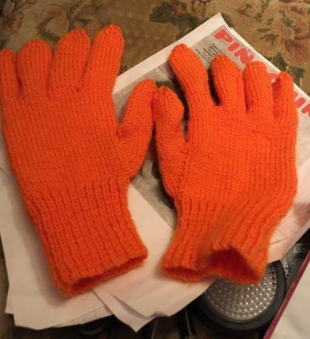 carolines gloves